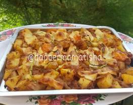 Baked Potatoes With BBQ Sauce (Kentang panggang BBQ)