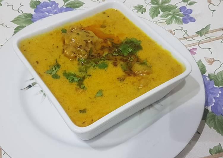 Simple Way to Prepare Super Quick Homemade Pakoray wali Karhi