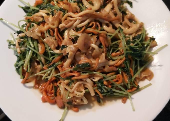 Tumis cordyceps, golden mushrooms dan peas sprout