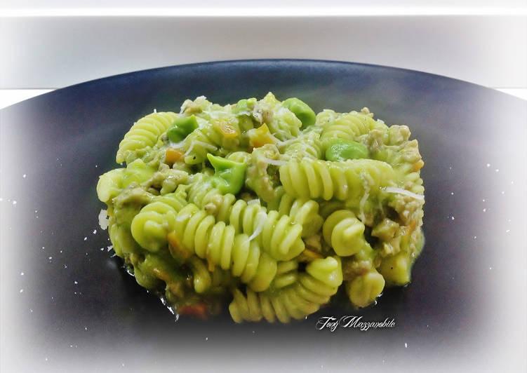 Fusilli con crema di broccoletti verde e ragù di anatra