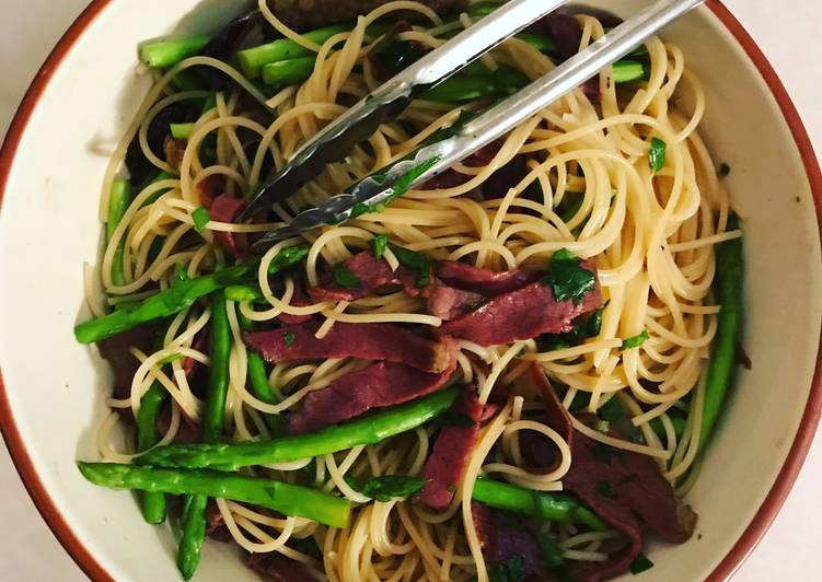 Beef bacon & asparagus carbonara