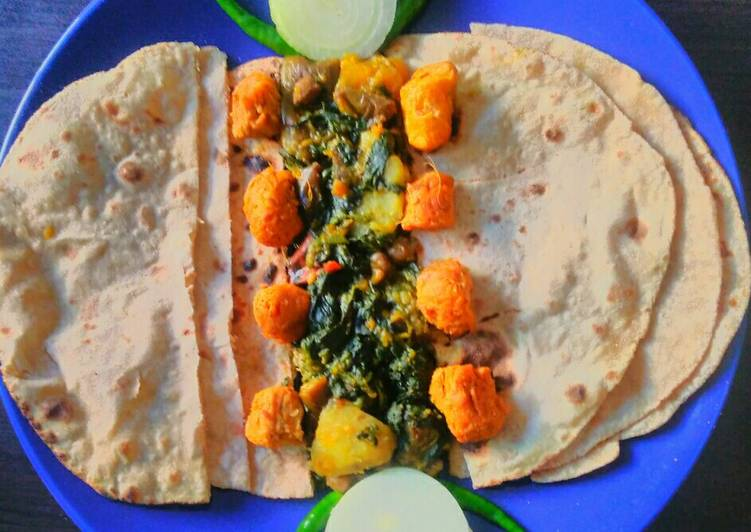 Recipe of Homemade Palong shak ghonto or Spinach mixed vegetable Curry