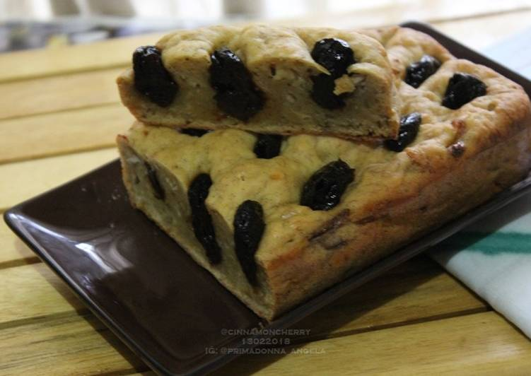 Easiest Way to Prepare Any-night-of-the-week Banana Cake with Prunes