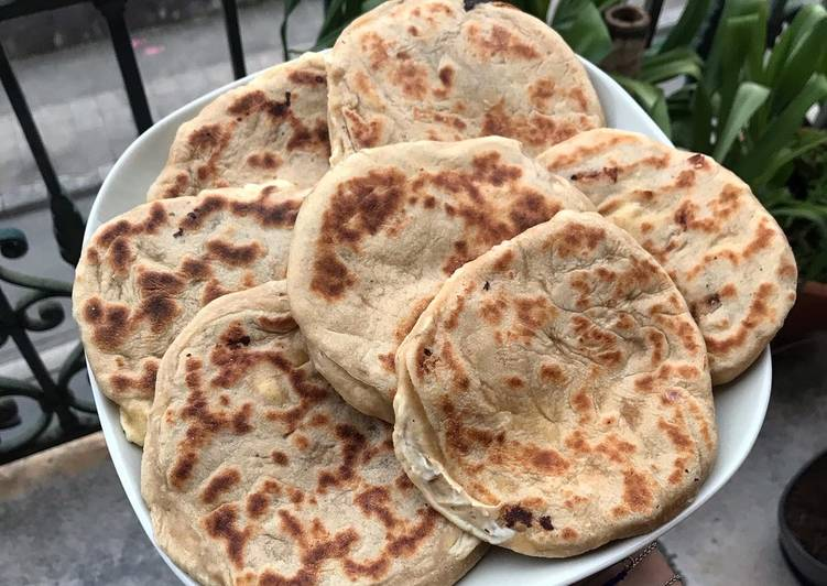 🧀Cheese Naan🧀