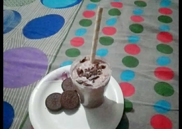 Recipe of Award-winning Oreo milkshake