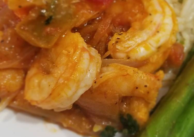 Dine These 15 Superfoods to Go Green for Optimal Health, Sofrita Shrimp