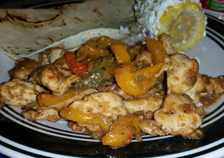 Fajitas de Pollo (Chicken Fajitas)