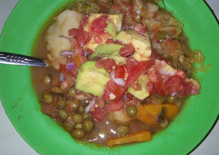 Recipe of Favorite Peas served with Irish potatoes and cabbages