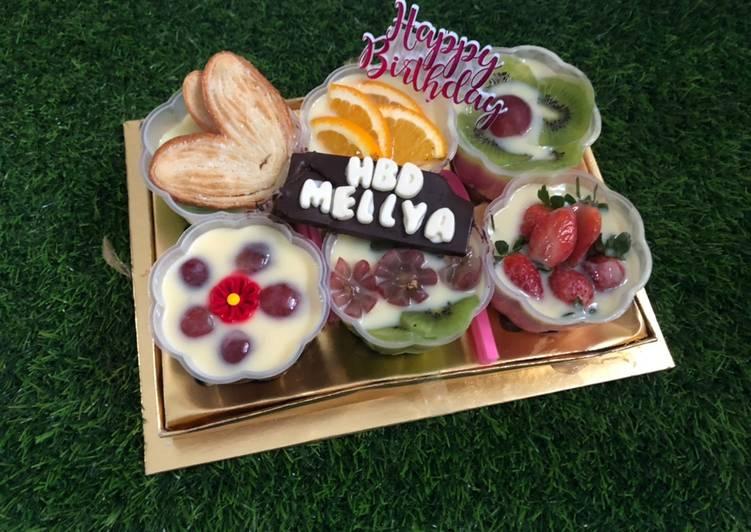 Puding cup buah untuk ulang tahun