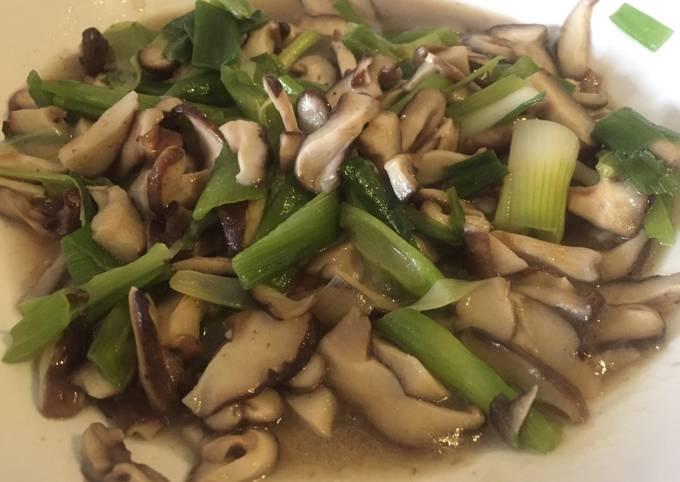 Shiitake Mushrooms with spring onion