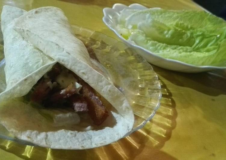 How to Make Delicious Burrito y ensalada de lechuga 😋