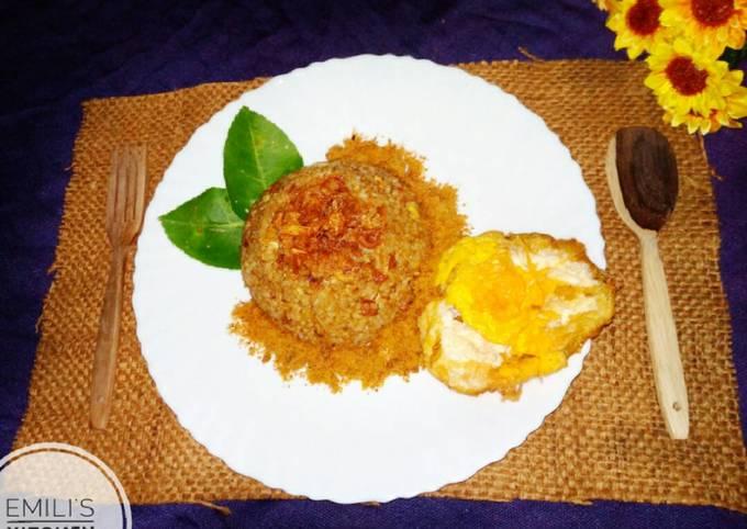 Nasi Goreng Ayam Abon Telur
