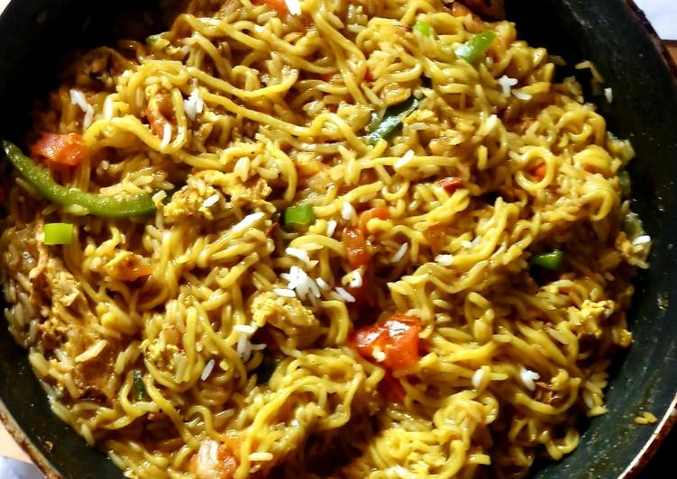 Noodles fried rice