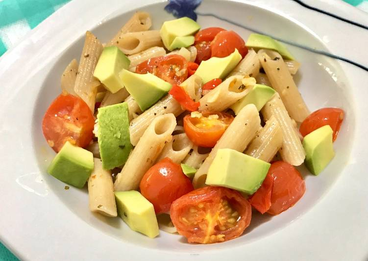 Recipe: Appetizing Aglio olio with Avocado and Cherry Tomatoes