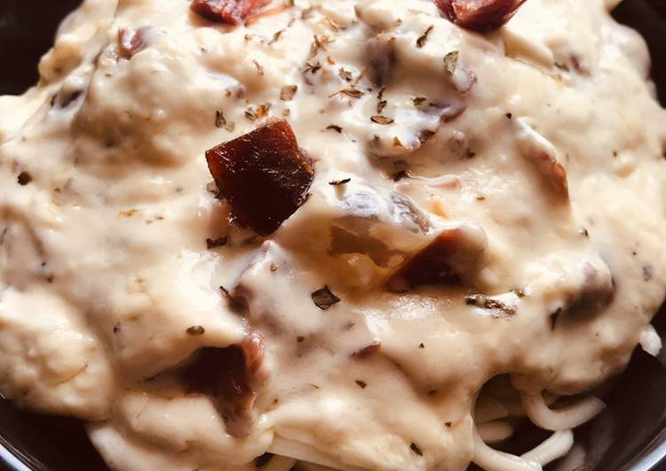 Noodles 🍲de jamón ibérico, nata ligera y albahaca 🌿