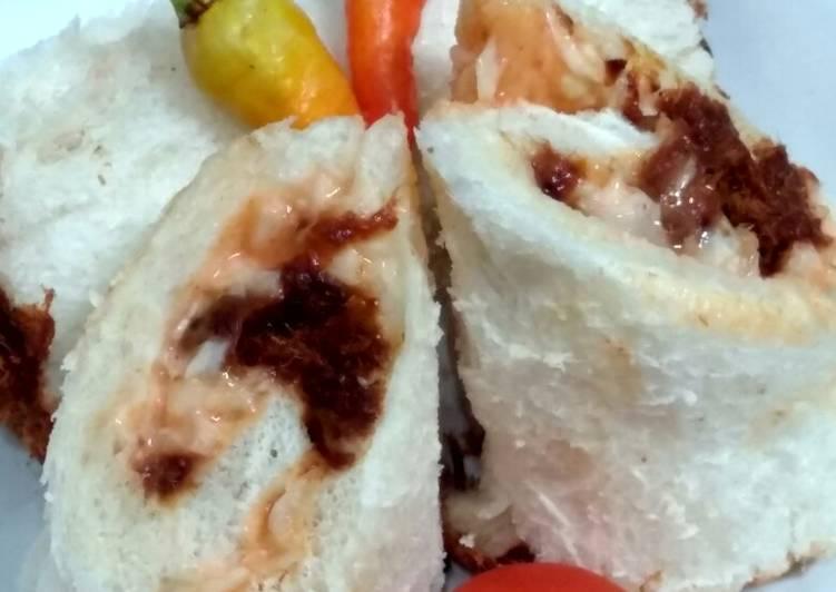 Sandwich Gulung Abon Pedas