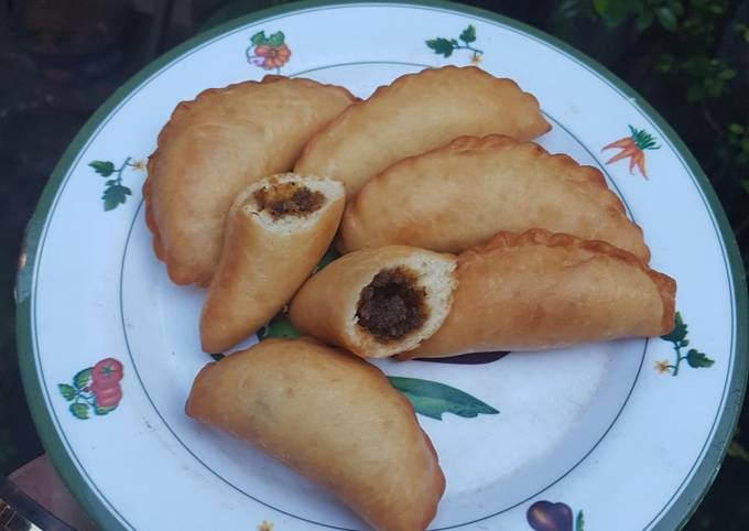 Roti Goreng Mayo Abon Ikan Roa