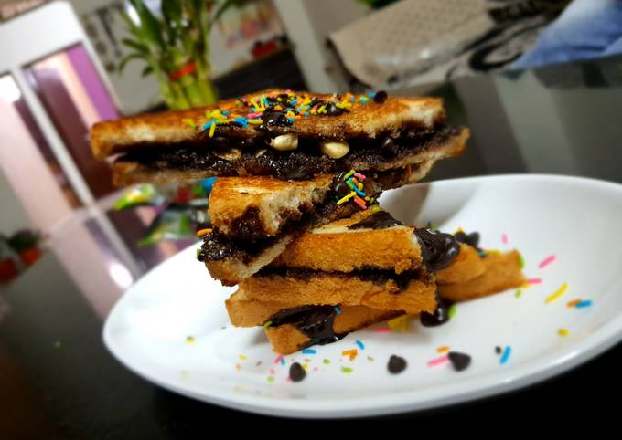 Recipe: Yummy Chocolate Toast Easy and Quick Recipe