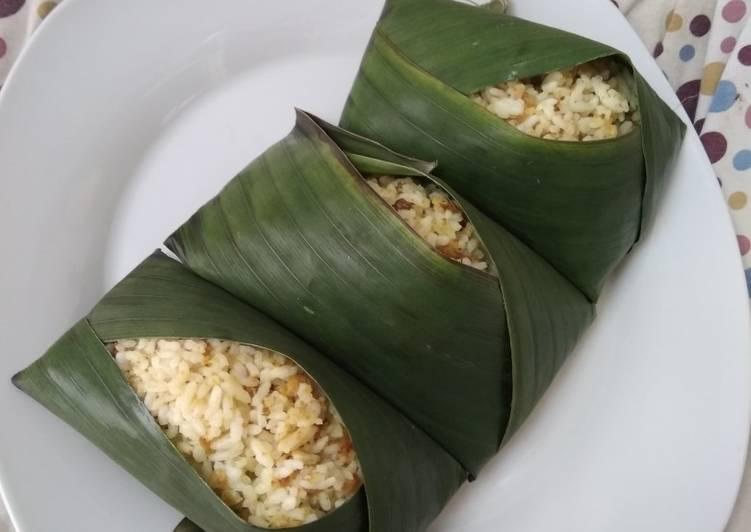 Cara Mudah Menyiapkan Nasi tutug oncom Bikin Manjain Lidah