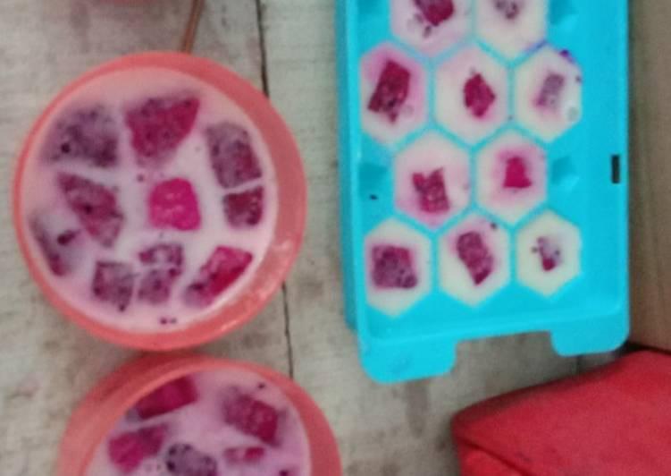 Puding susu buah naga