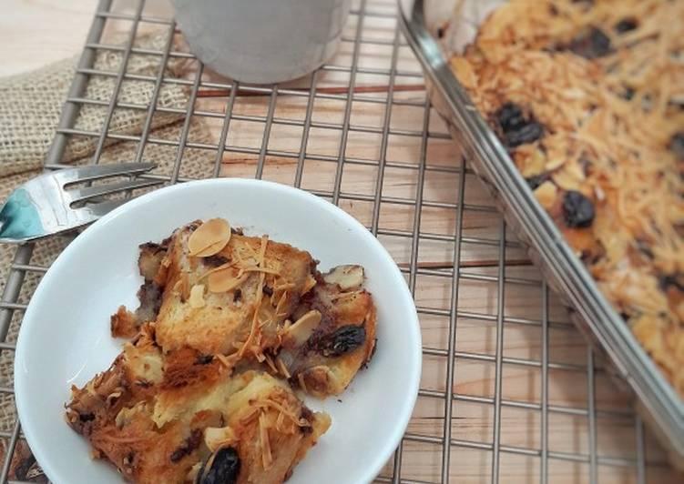 Banana Bread Pudding (Pudding Roti Pisang)
