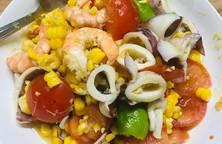 Món Thái - sôm tăm khao pốp thá lê - hay còn gọi là gỏi thái