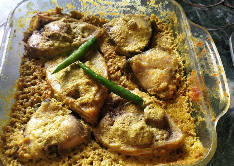 Ilish Bhapa in Microwave oven (Hilsa in mustard paste)