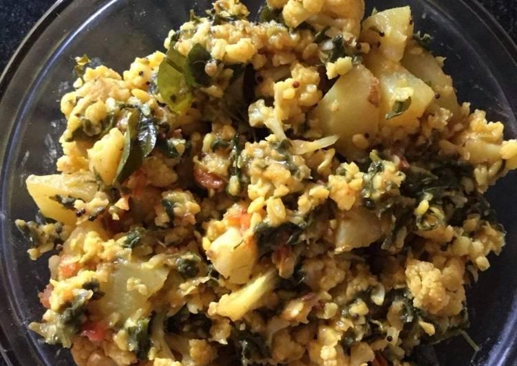 Mixed Veg Leafy Dal Curry