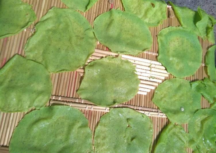 How to Make Speedy Hari mung ki dal aur palak papad