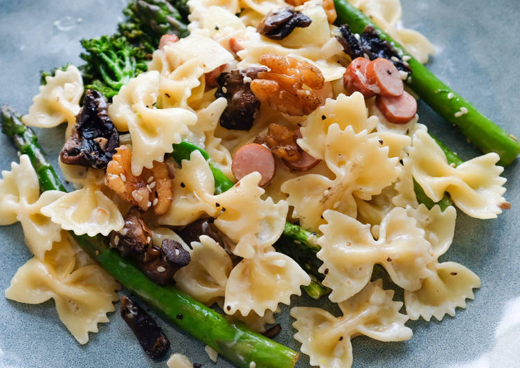 Pasta with Asparagus and Broccolini