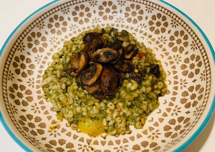 Mushrooms Spinach Barley Risotto