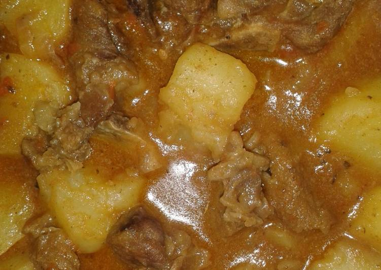 Simple Beef Stew with Potatoes