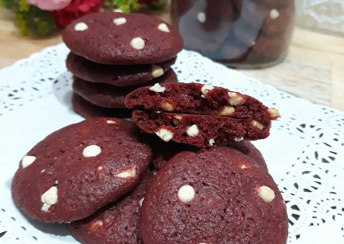 Red velvet chewy chocochips cookies