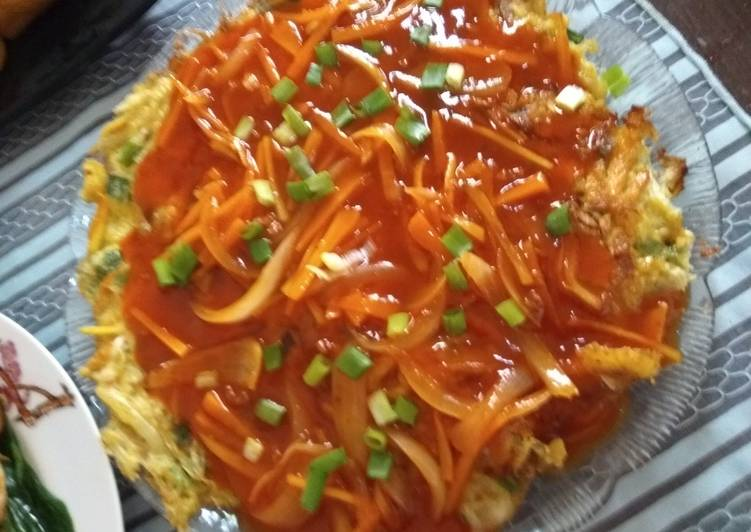 Fuyunghai (telur dadar asem manis)