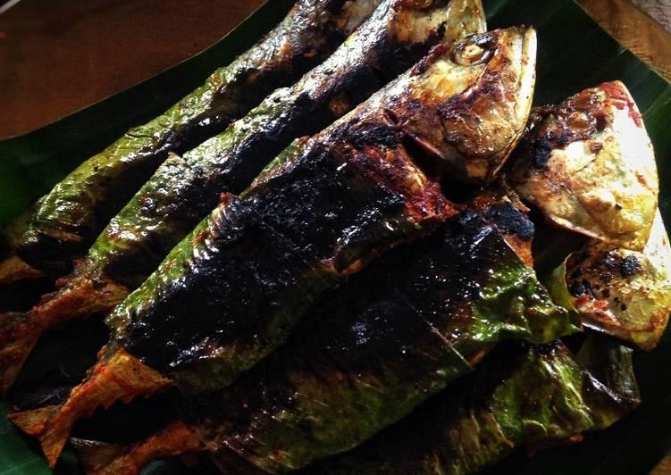 Ikan Bakar Cili-Kunyit dengan Air Asam Kicap - resepipouler.com