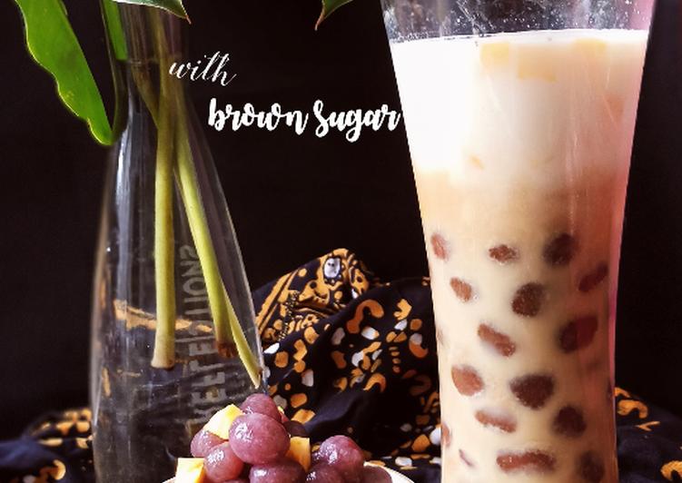 Es Bobba Ubi (Sweet Potato Bubble with Brown Sugar)