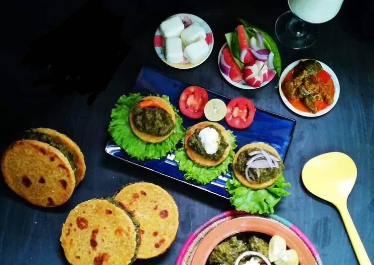 15 Minute Simple Way to Make Love Saag Gosht with Makkai Ki Roti