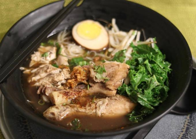 Chinese five spiced chicken noodles