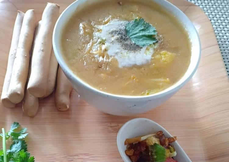 Cabbage cauliflower carrots soup