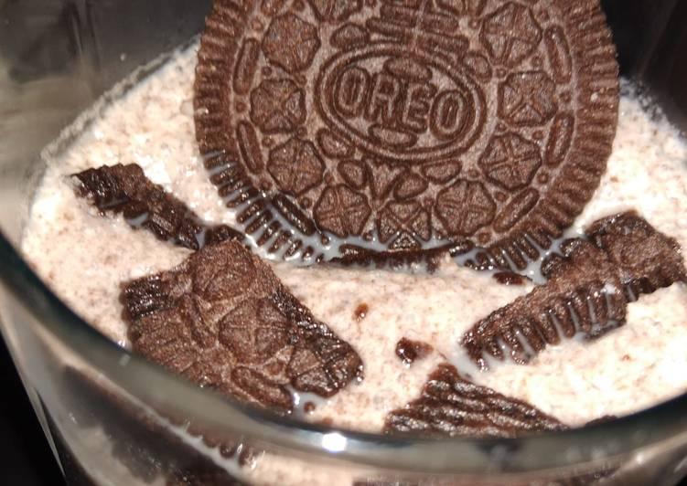 Recipe of Super Quick Homemade Oreo Milk shake