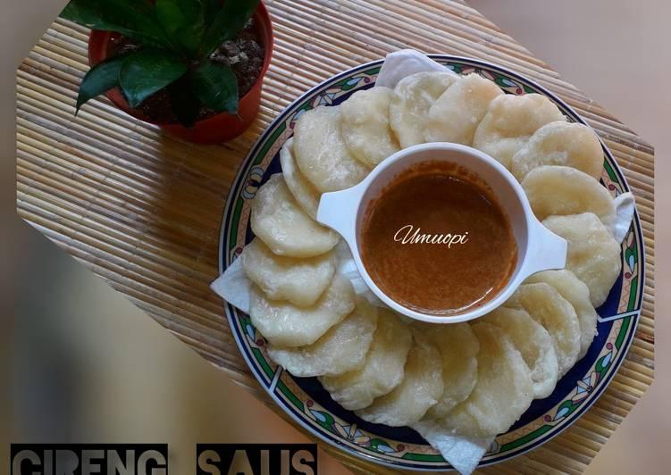 Cireng saus kacang