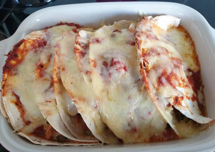Überbackene Tortillas mit Gartengemüse