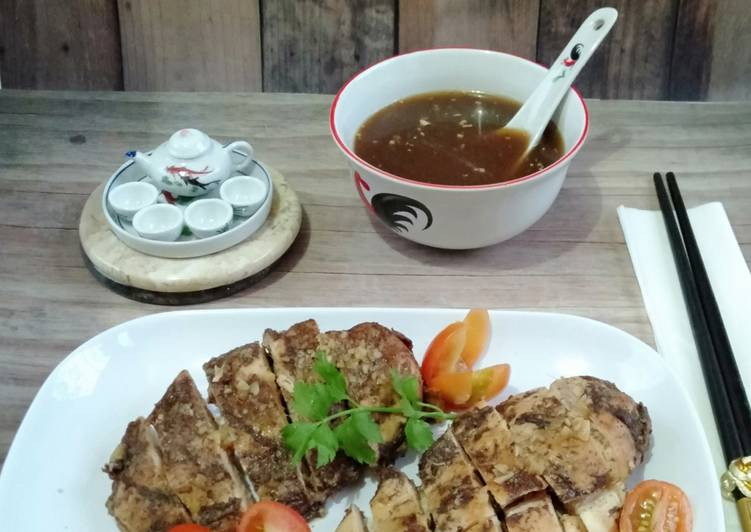 16.Ayam Kukus bumbu Ngohiong ~ saos bawang putih dan jahe