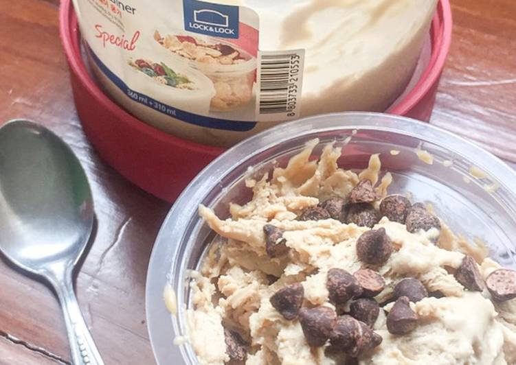 Homemade Coffee Ice Cream (Eggless)