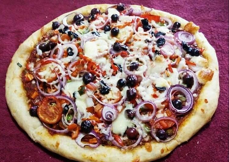Recipe of Perfect Mozzarella cheese Pizza
