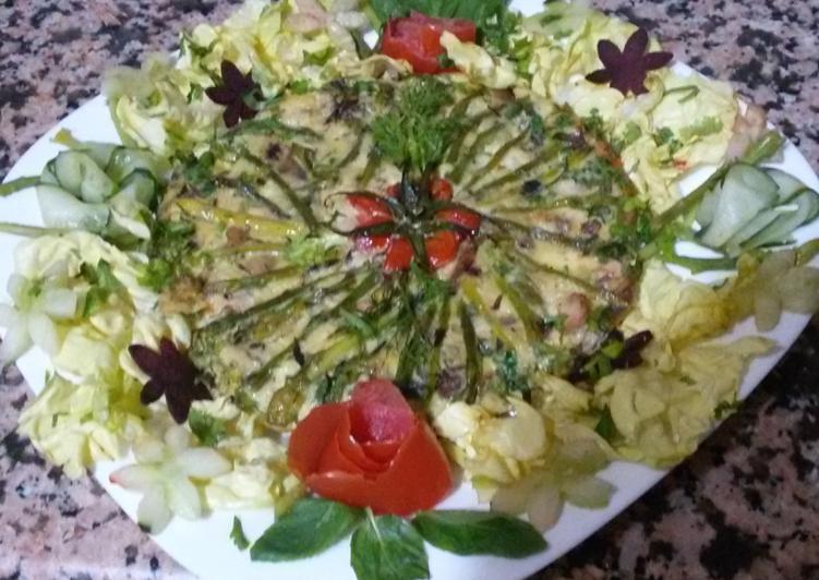 Omelette aux asperges souvage,fromage de chèvre,lard