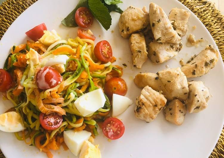 Pollo al limón fácil con ensalada de vegetales varios (todos de estación)