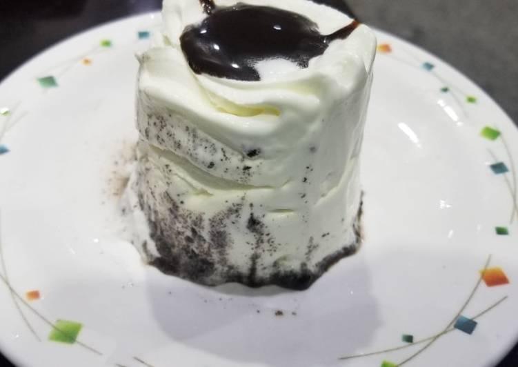 Mini Oreo ice cream cake
