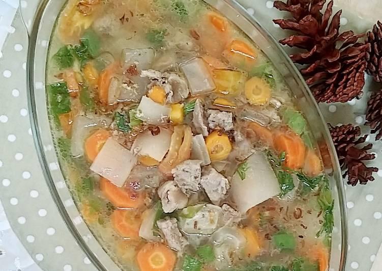 Sop kikil daging sapi bening khas Betawi