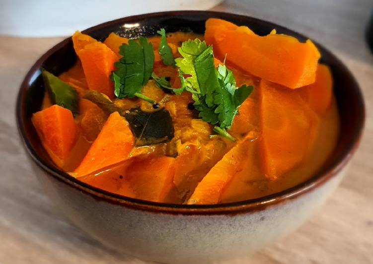 Carrot Curry (with Coconut Milk)
